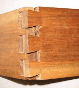 houtverbindingen: open zwaluwstaartverbinding